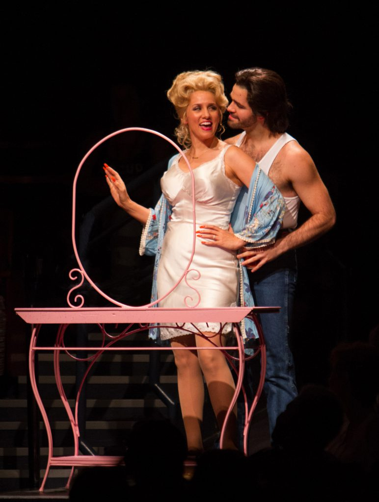 Tricia Paoluccio as Doralee Rhodes and Eric Anthony Johnson as Dwayne in 9 to 5, The Musical produce
