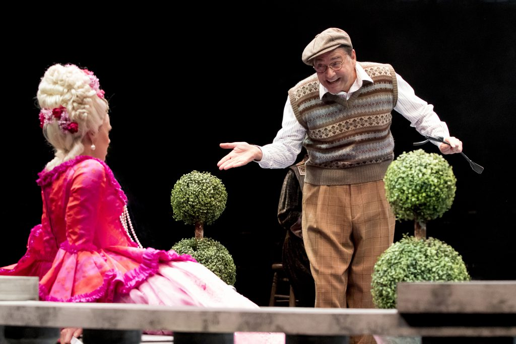 (from L to R) Jennifer Knox as Lina Lamont and Nick Santa Maria as Roscoe Dexter in SINGIN' IN THE R